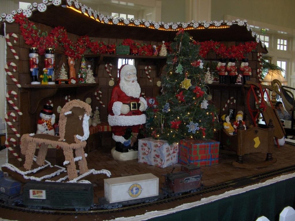 Boardwalk Inn Gingerbread Display: Santa's Toy Workshop