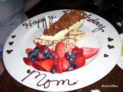 Cinderella's Royal Table, Magic Kingdom: Advance Reserved White Chocolate Slipper Dessert