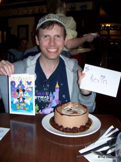 Disney World Restaurant Birthday Treats the disney food blog