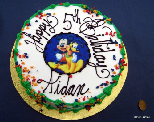 Disney World Restaurant Birthday Treats the disney food blog