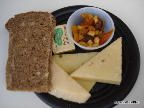 Kerrygold® Cheese Selection: Aged-Irish Cheddar, Dubliner and Ivernia Cheese with Apple Chutney and Brown Bread