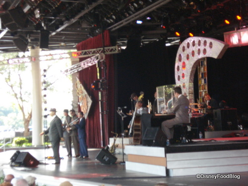 Big Bad Voodoo Daddy Performing at Eat to the Beat