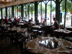 Chefs de France Window Tables