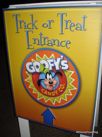 Trick or Treat Spot Entrance Sign
