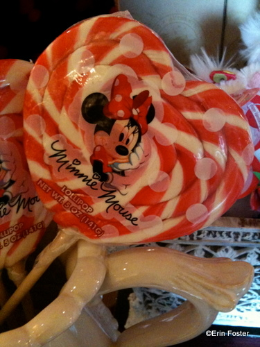 Minnie Heart-Shaped Lollipop
