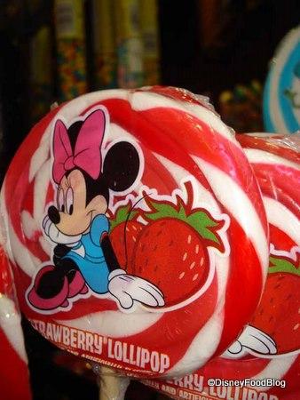 Minnie Strawberry Pops