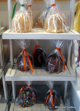 Examples of Disney Caramel Apples