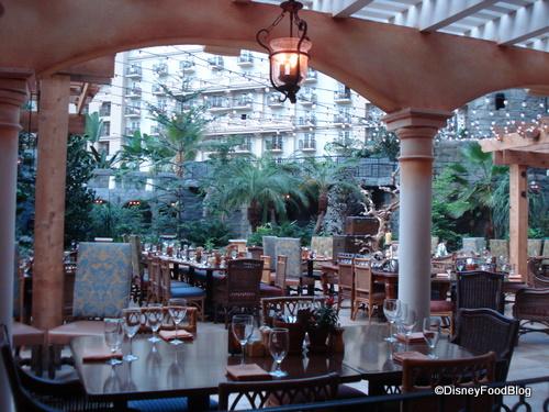 Gaylord Palms' Villa de Flora Restaurant