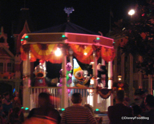 MNSSHP Float from Tony's Town Square Porch