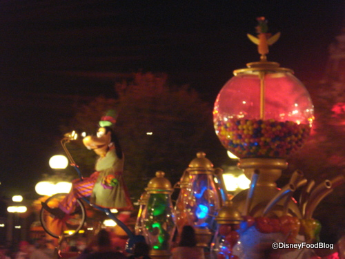 Goofy's Candy Company Float