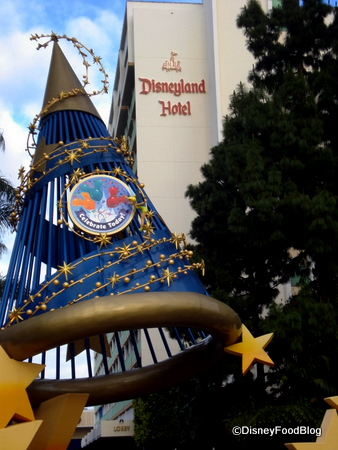 Disneyland Dining Reservations Via Email Now Available the
