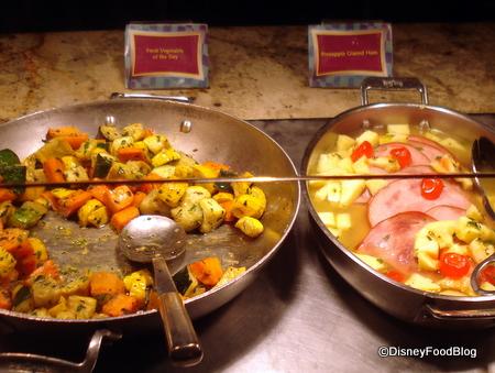 Goofing Around in Goofy\'s Kitchen | the disney food blog