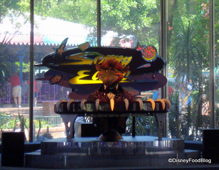 Sonny Eclipse entertains at Cosmic Ray's