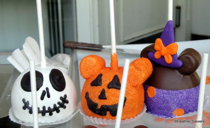 Halloween Dipped Pretzels