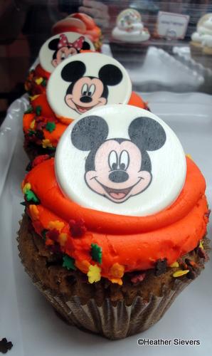 Dining In Disneyland Thanksgiving Treats The Disney