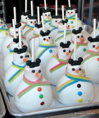 Snowman Caramel Apples