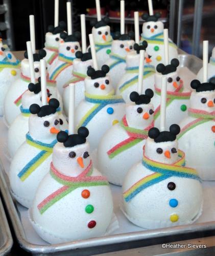 Snowman Caramel Apples