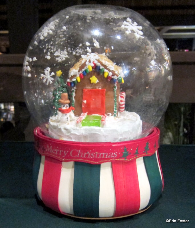 House Snow Globe Snow Globe Gingerbread House