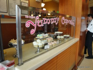 Cupcake & To Go Counter
