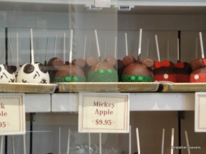 "St. Patrick's Day ""Mickey"" Caramel Apples from Marceline's"