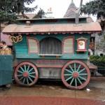 Disneyland Paris: Stromboli's Snack Cart and Sequoia Lodge's Free Breakfast