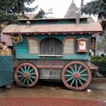 Disneyland Paris: Stromboli's Snack Cart and Sequoia Lodge's Free Breakfast