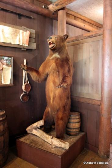 Bear at Crockett's Tavern