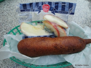Original Corn Dog with Apples (beef/chicken combo)