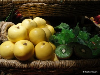 Golden Delicious Apples & Kiwi