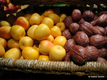 Golden Delicious Apples & Walnuts