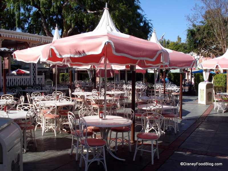 Review Disneyland Plaza Inn S Breakfast With Minnie And