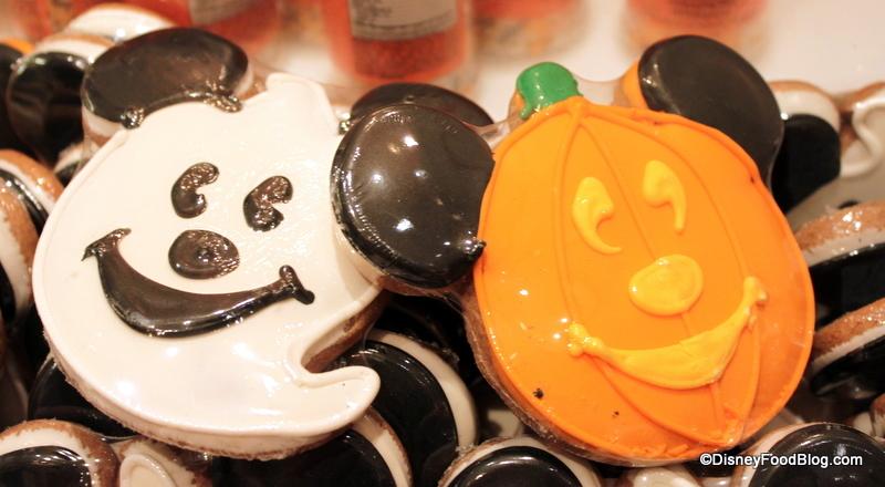 Chocolate Halloween Lollipops