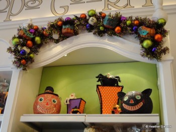 Pumpkins, Cats & Spiders, Oh My!