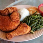 Review: Disneyland's Plaza Inn (Fried Chicken!)