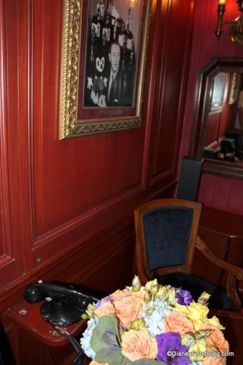 Wood Paneled Game Room: Review: Disneyland's Club 33 (Part 1 Of 2)
