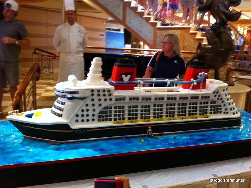 "Cake Boss Buddy Valastro Creates a ""Disney Dream"" Cake ..."