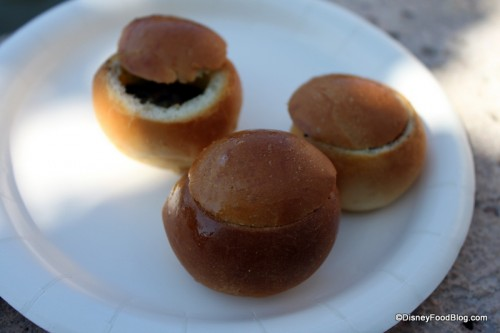 Escargots Persillade en Brioche in France