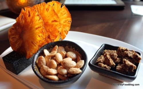 Review waldorf orlando bull and bear lounge new menu for Bar food top 10