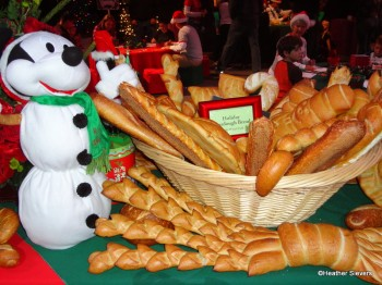 Pacific Wharf Cafe Holiday Bread Basket