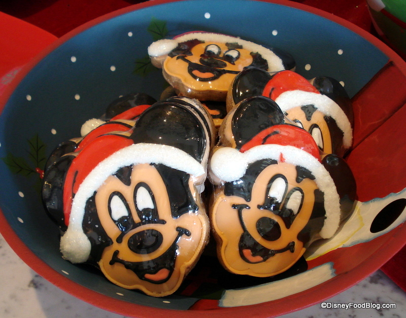 Christmas Treats And Holiday Popcorn In Disney Parks And Resorts