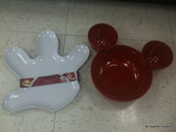 4 Pack of Mickey Hand Appetizer Plates and Small 3 Part Bowl