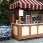 Disney Treats: New Cinnamon-Glazed Almond and Pecan Stand in Epcot