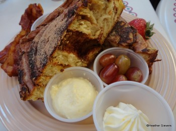 Cafe Cinnamon Roll French Toast
