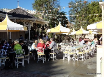 Jolly Holiday Outdoor Seating