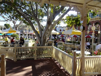 Jolly Holiday Pation Seating