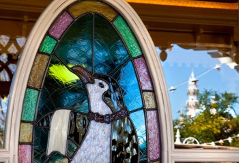 Jolly Holiday Bakery Window (c) Disney