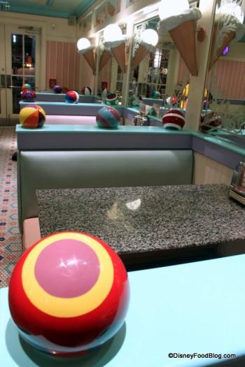 Review Beaches And Cream Soda Shop Desserts The Disney