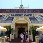 Review: Matterhorn Macaroon and Flourless Chocolate Cake at Disneyland's Jolly Holiday Bakery