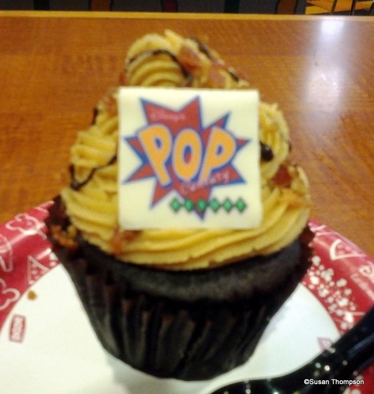 new   u0026quot the king u0026quot  elvis presley cupcake at disney u0026 39 s pop