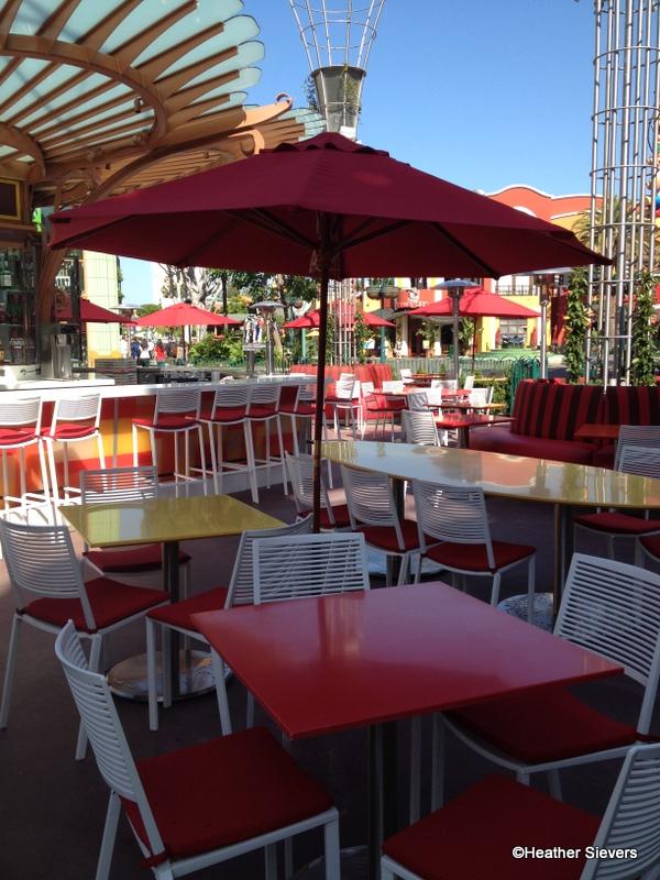 Dining In Disneyland Downtown Disney S Uva Bar Is Back